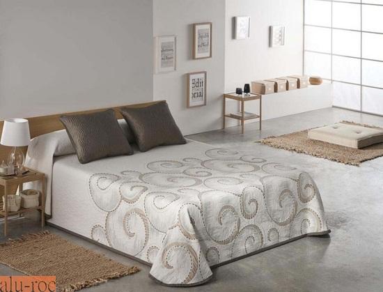 Colchas de todos los estilos y dise os para decorar tu cama - Cojines marrones ...