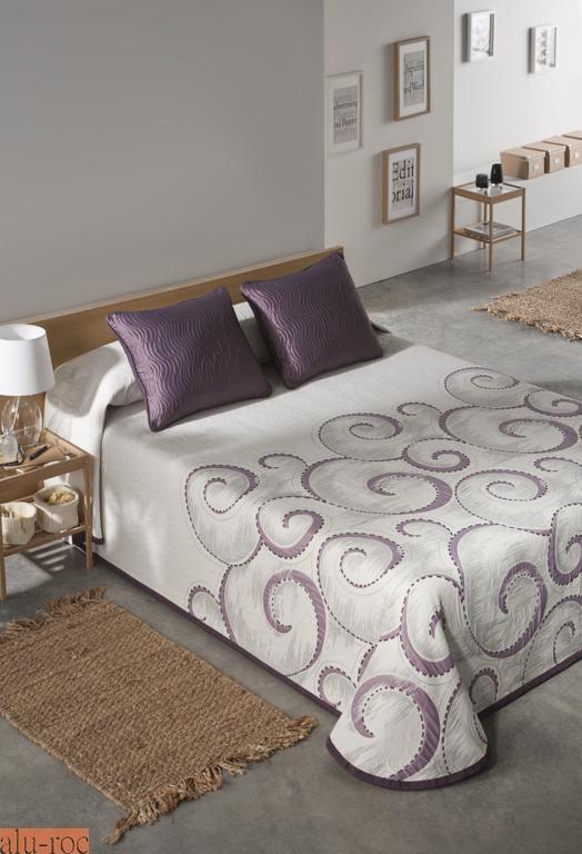 Colchas de todos los estilos y dise os para decorar tu cama for Medidas colcha cama 135
